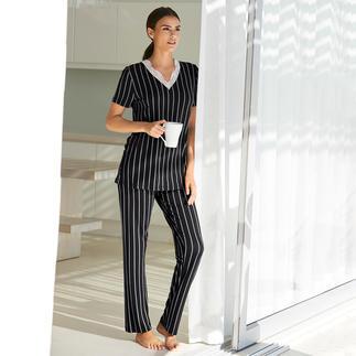 Verdiani pyjama met krijtstreepdessin Een wel heel elegante pyjama. Modern, basic model. Klassieke krijtstrepen. Sierlijke kant.