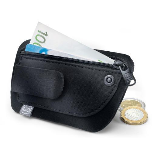 """Minibeurs """"Clippouch"""" - Geld, creditcard, identiteitsbewijs, ... ook in lichte zomerkleding alles bij de hand."""