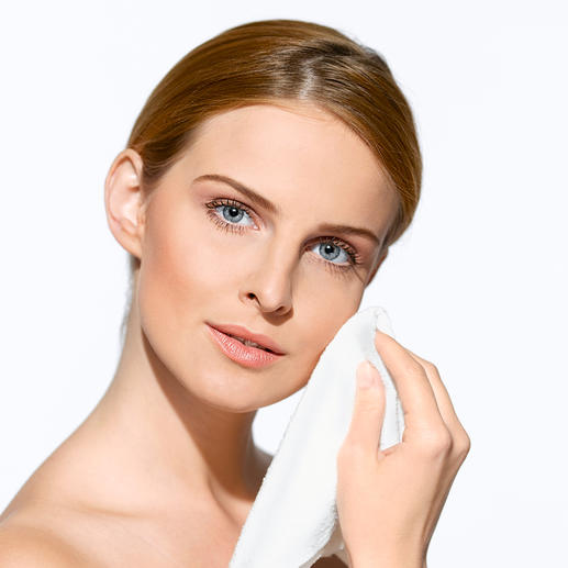 'Micro Peeling' gezichtsdoek, set van 2 of rugscrubber - Een uiterst dun microweefsel maakt uw huid poriëndiep schoon en glad.