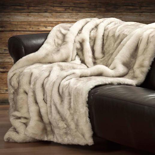 Deken van imitatie-poolvossenbont Zijdezacht, met luxueuze lange pool en levendig ton-sur-ton-kleureffect. Gewoon een prachtige deken.