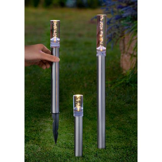 Solar led-lichtstaven of led-hanglampen Verlichting in fijne pareltjes betovert 's nachts uw tuin en terras.