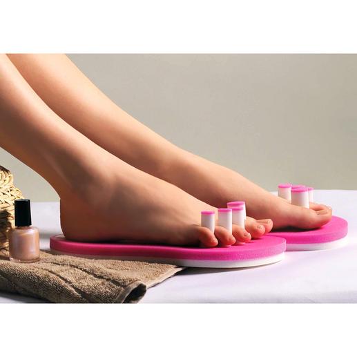 PediQuick® Geen gemorste nagellak – en geen koude voeten. Wel onbeperkte bewegingsvrijheid.
