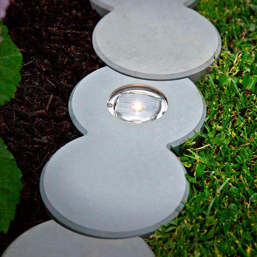 Omdat er geen open voegen zijn, groeit er ook geen onkruid tussen de stenen.