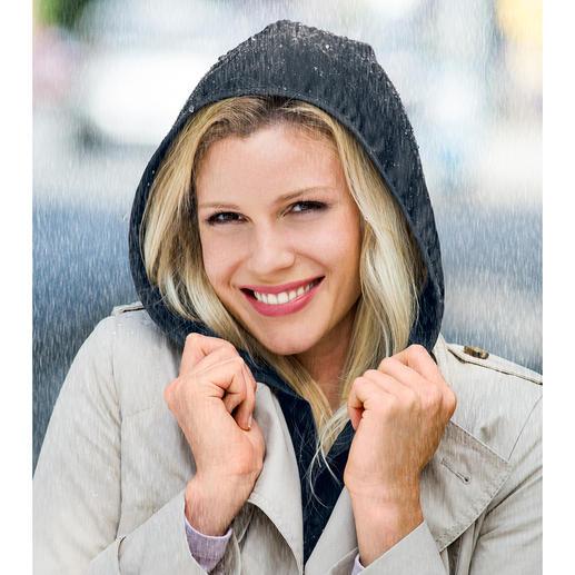Hood To Go Mooi accessoire. En een praktische bescherming tegen regen, om ergens onder of over te dragen.