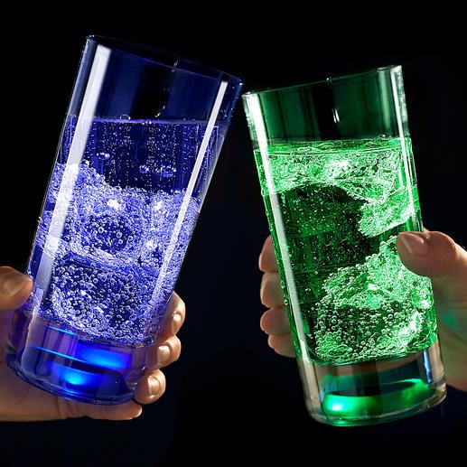 TouchOn lichtglas, set van 2 In de onderkant van het glas ingegoten leds voorzien uw drankje van een geheimzinnig licht.