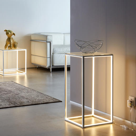Tafel met lichtlijst - Veelzijdig bijzettafeltje en tegelijkertijd een elegant lichtobject.