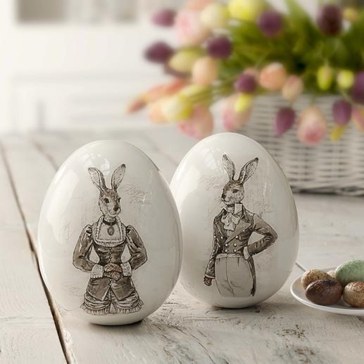 Paaseieren met nostalgisch hazenpaar Prachtige porseleinen eieren met hazenafbeelding – in charmante, nostalgische uitvoering.