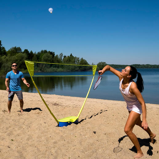 Schildkröt® badmintonset - Nu kunt u eindelijk badmintonnen met een net dat op wedstrijdhoogte hangt.