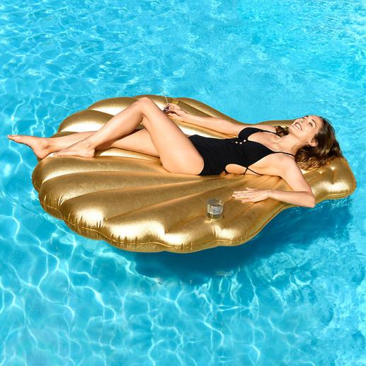 Goudkleurige opblaasbare schelp Trendy zomeraccessoire in chique stijl.