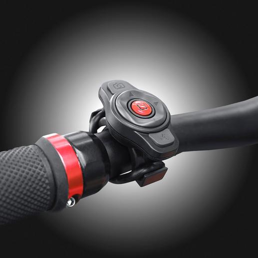 Alle functies zijn ook met de afstandsbediening op het stuur te regelen.
