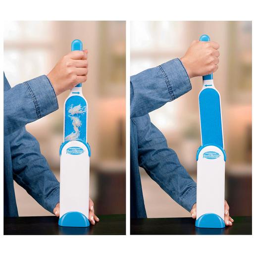 Voor het schoonmaken steekt u de borstel gewoon in de houder. De in tegengestelde richting verwerkte delen van velours aan de binnenkant strijken het vuil en de haren er automatisch af.
