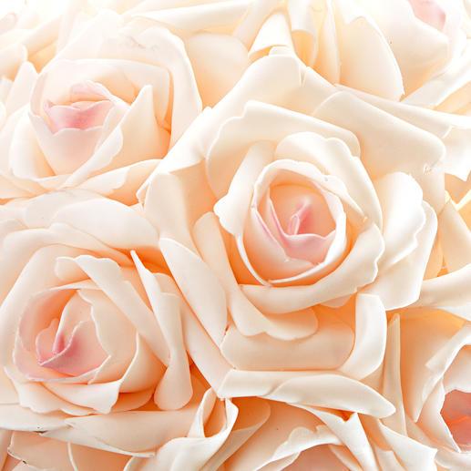 Natuurgetrouw nagemaakt: de rozen zien eruit alsof ze geplukt zijn op het mooiste moment van de bloei.