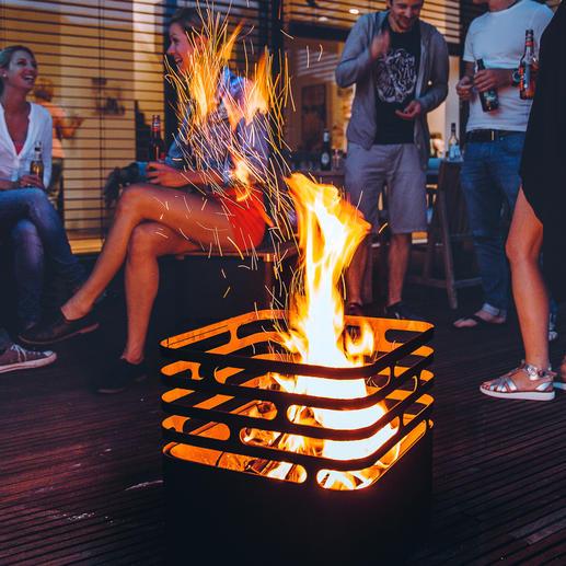 Om de vlammen te doven zet u de cube gewoon op z'n kop– de vlammen gaan dan vanzelf uit.