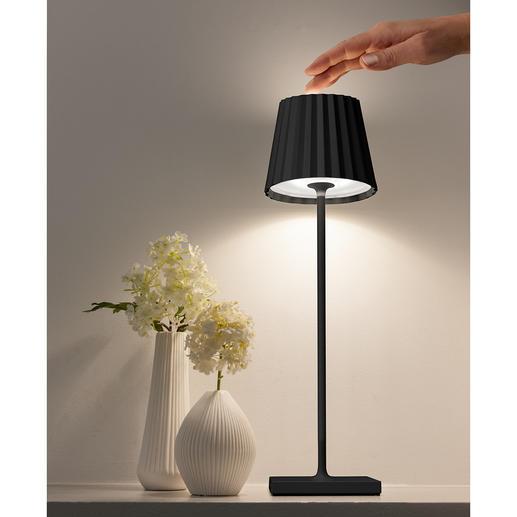 De lichtsterkte kunt u geheel aan uw wensen aanpassen, door de lampkop eenvoudigweg aan te raken.