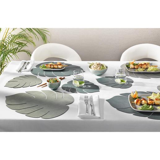 Placemat 'Monstera', set van 2 Haal de jungletrend naar de eettafel met deze hippe placemats in de vorm van een Monstera-blad.