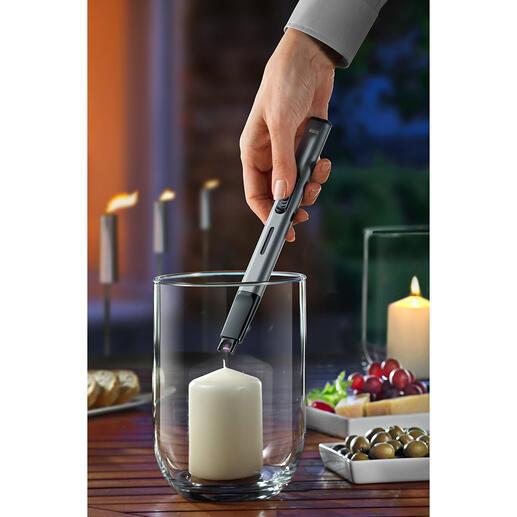 Kaarsaansteker ʻBlitz' De kaarsaansteker met elektrische boog in plaats van een vlam.