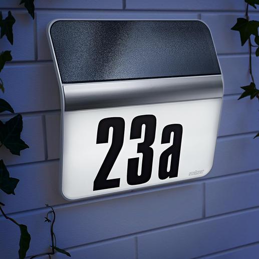 Huisnummerlamp XSolar Slaat reserve-energie op voor maximaal 12 nachten. Onafhankelijk van stroom en weersomstandigheden.