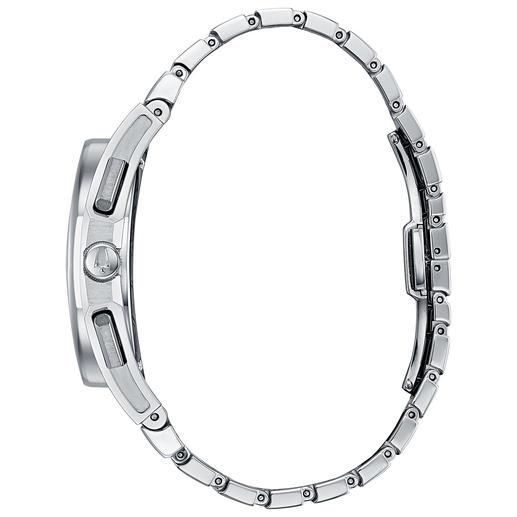 Heel comfortabel: door het gebogen uurwerk is de Bulova Curv heel prettig om de pols te dragen.