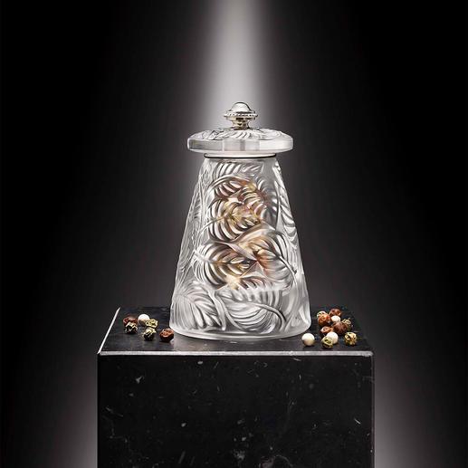 Lalique peper- of zoutmolen De fijnste Franse glaskunst die er is. Met een precisiemaalwerk van Peugeot.