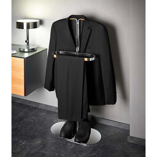 Op de smalle, maar stevige beugel kunnen uw colbertjes en overhemden optimaal luchten.