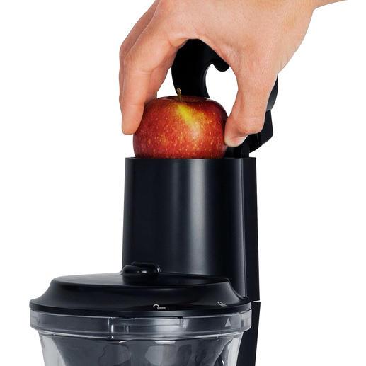 Fruit schillen en in stukken snijden is niet nodig: in de XXL-vulschacht passen zelfs hele vruchten.
