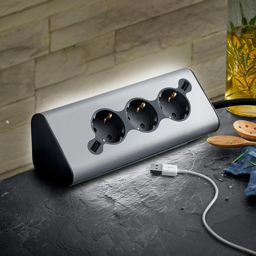 WMF multi-stekkerdoos Ambient Pro Met 3 stopcontacten, 2 USB-poorten voor het opladen van uw mobiele apparaten en zachte sfeerverlichting.