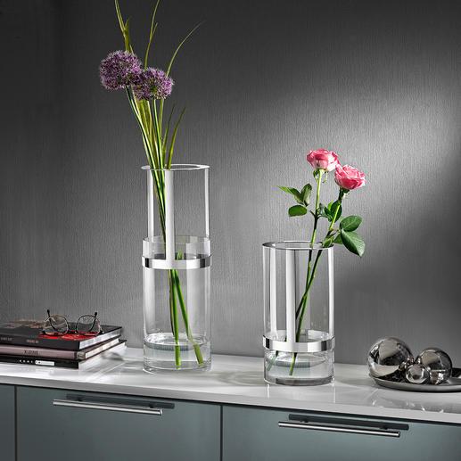 In hoogte verstelbare vaas Deze met een prijs onderscheiden glazen vaas is perfect aan te passen aan elk boeket.