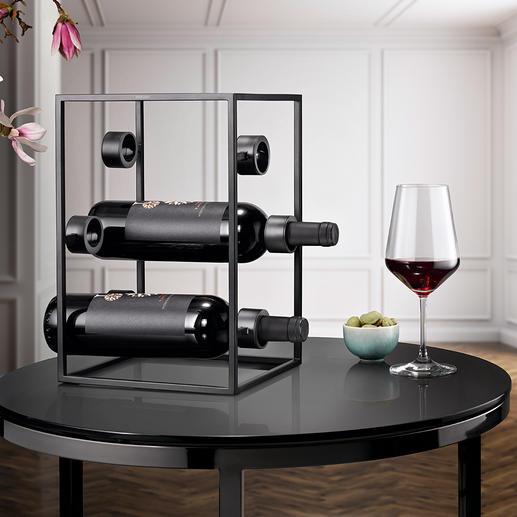 Design-wijnkubus Drie trends in één: zwart staal, puristisch design, geometrische vorm.