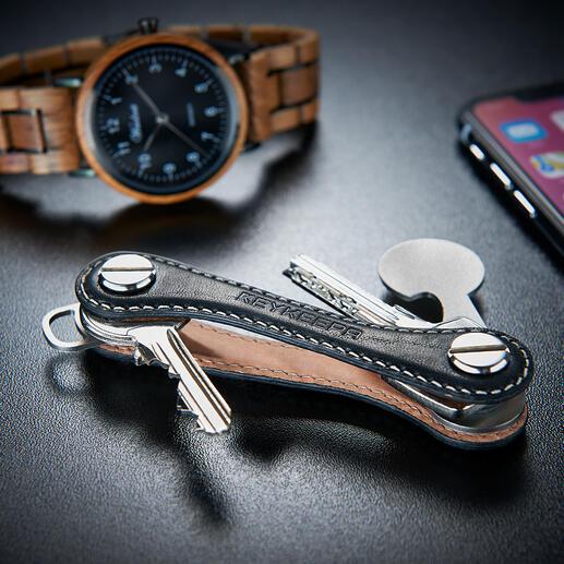 Sleutelorganizer De geniale sleutelorganizer: even compact, slank en handig als een zakmes. Voor maximaal 12 sleutels compact opgeborgen.