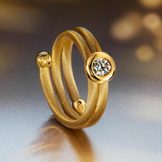 Past altijd perfect– ring met briljantje van hetzelfde materiaal.