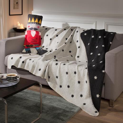 Pop met zachte deken Het perfecte cadeau: schitterende poppen van stof, waar een zachte flanellen deken in verstopt zit.