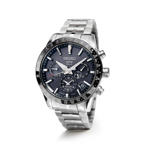 Het horloge is 12,2mm dik en 130g licht, en is prettig om de pols te dragen.