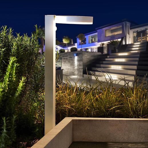 Moderne slimme solarlamp Variabele lichtmodi, bewegings- en schemeringssensor. Met 40 warmwitte leds in modern design.