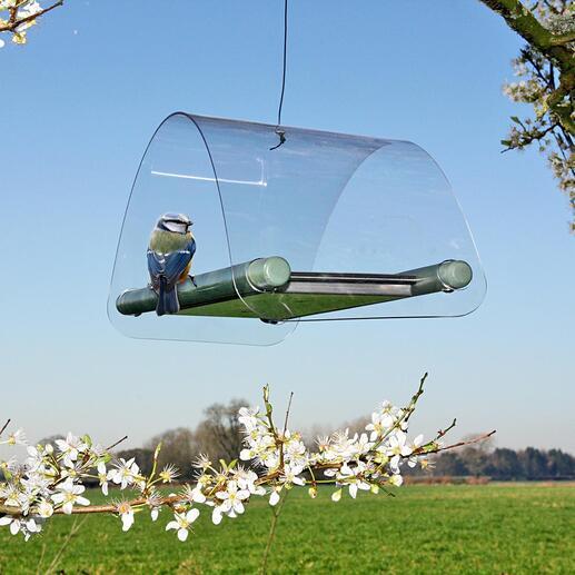 Als u de voederbak toch op wilt hangen, kunt u gewoon een koord door het kleine gat in het dak trekken en hem met een knoop vastmaken.