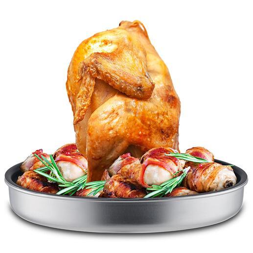 Multi-kippenbrader De vertrouwde kippenbrader – nu nog veelzijdiger dankzij de extra grote opvangschaal voor vloeistoffen en het geperforeerde inzetstuk.