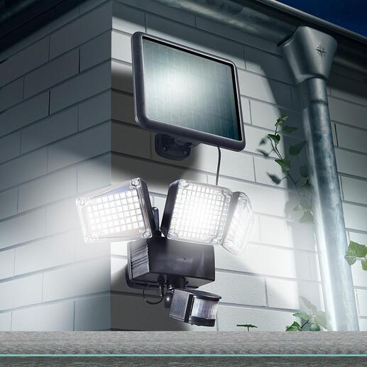 Solar-veiligheidslamp van 1.500 lumen Floodlight van 1.500 lumen. Sensorgestuurd. Verbruikt geen stroom. Voor extra veiligheid op een tuinpad, een trap of bij de entree van uw huis.