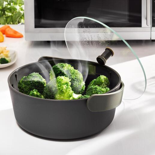 Stoompan voor de magnetron Stoom groente makkelijk en snel – nu zelfs in de magnetron. Chic ontwerp van Eva Solo, Denemarken.
