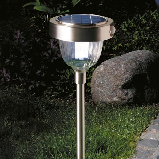 Intelligente lamp op zonne-energie Hypermoderne ledtechniek met 2 lichtsterkten, ingebouwde bewegings- en schemersensor.