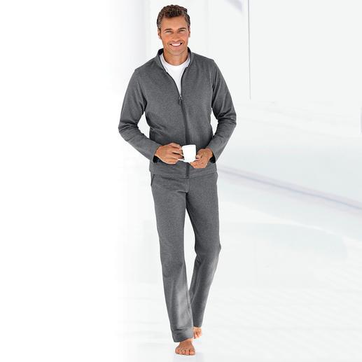 Loungewear-pak Geschikt om te trainen. Chic bij een spontaan bezoek. Gemakkelijk op de sofa. Eén pak.