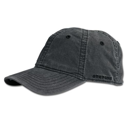 Veel bijzonderder dan zoveel andere exemplaren: de baseballcap van Stetson, de cult-hoedenmaker uit de VS. Veel bijzonderder dan zoveel andere exemplaren: de baseballcap. Trendy used-look. Lichtbeschermingsfactor40+.