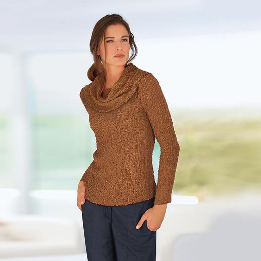 Zijden crash carmenshirt of shirt met ronde hals Kreukelen toegestaan. Strijken verboden. Gecrashte zijde is steeds in optima forma.