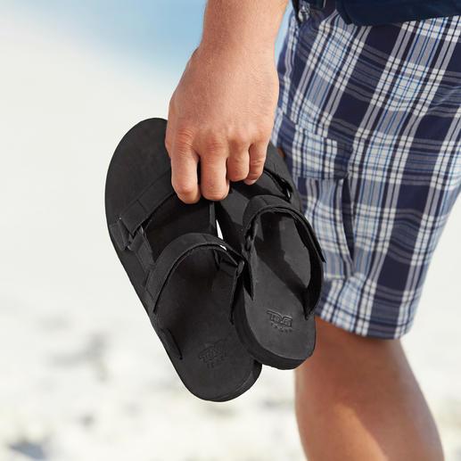 Teva® platte schoenen Van trekking-schoen tot chique, platte trend-schoen van leer. Draag het origineel met voetcomfort.