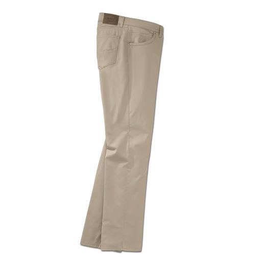 Brax ultralichte katoenen broek De lichtste katoenen broek uit de 65-jarige geschiedenis van Brax. Gewicht slechts 280 g in mt. 50.
