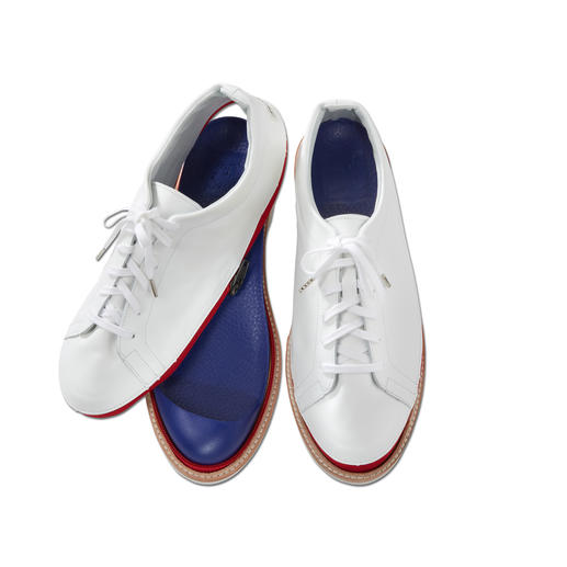 Vario-schoenen 'Johnny & Jessy' 1 schoen – 2 stijlen: casual canvasinstappers of chique leren sneakers.