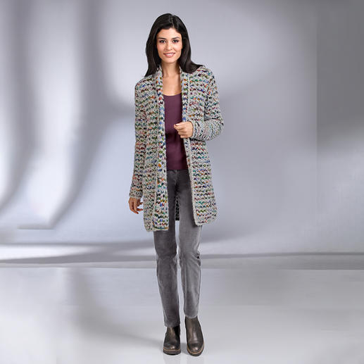 Kero Design handgebreid lange vest Multicolour Met de hand geverfd en gebreid: de multicolour-cardigan die gewoon overal bij past. Van Kero Design, Peru.