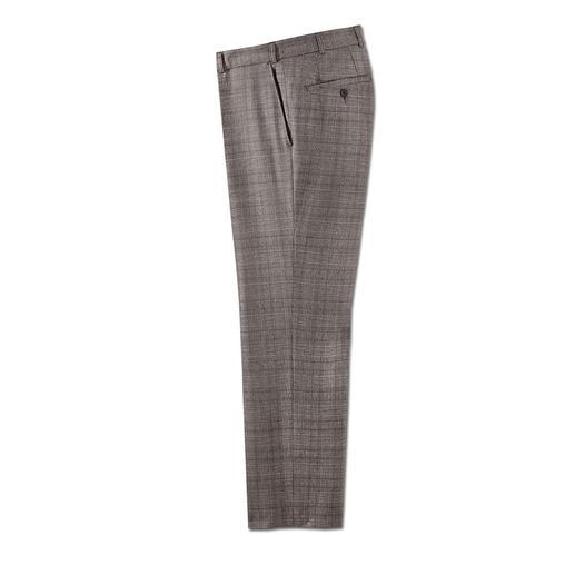 Zuiver scheerwol, maar comfortabel elastisch als een broek met 5 % elastaan. Estrato®: het exclusieve weefsel van de Italiaanse traditionele weverij Trabaldo Togna sinds 1840.