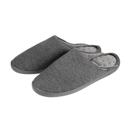 PillowStep™-pantoffels Pantoffels die meer steun bieden dankzij het gepatenteerde PillowStep™-voetbed van memory-foam.