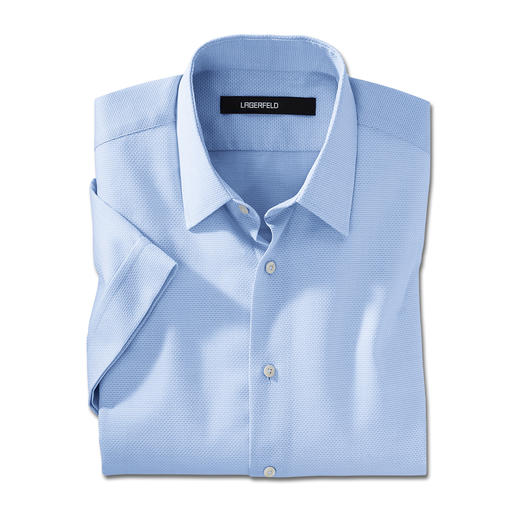 Lagerfeld overhemd met korte mouwen Stijlvolle uitzondering: het overhemd met korte mouwen van Lagerfeld.