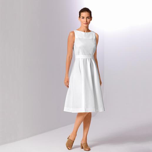Paule Ka couture-jurk De vrouwelijke elegantie van de jaren 50. Opnieuw onder de aandacht gebracht door het Parijse merk Paule Ka.