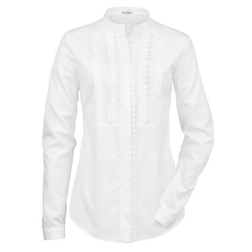van Laack blouse met staande kraag Blousespecialist van Laack maakt de witte basic blouse tot trendsetter. Staande kraag, verborgen knopenlijst.
